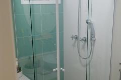 box-banheiro-em-angulo-aluminio-branco