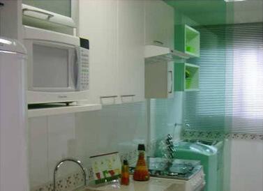 divisoria-de-vidro-cozinha-lavanderia